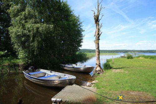 Steg mit Boot – Ferienhaus Sjöstugan Åsunden