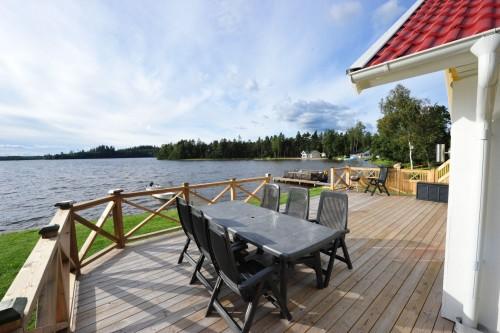 Terrasse mit Seeblick – Ferienhaus John 10