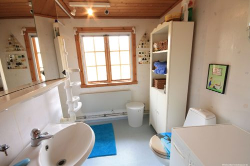 Badezimmer– Ferienhaus Kim