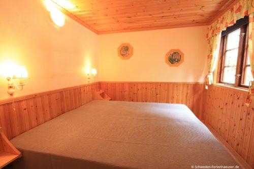 Schlafzimmer 2 – Ferienhaus Melltorp