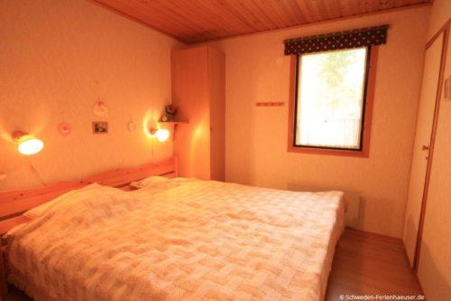 Schlafzimmer 2 – Ferienhaus Rosendala