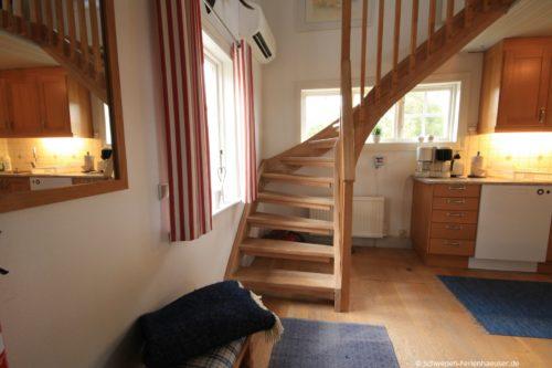 Treppe zum Obergeschoss – Ferienhaus Seestuga