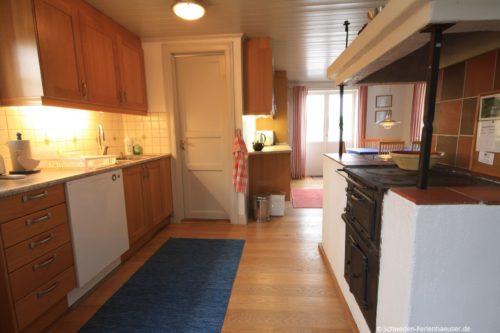 Küche mit Essplatz – Ferienhaus Seestuga
