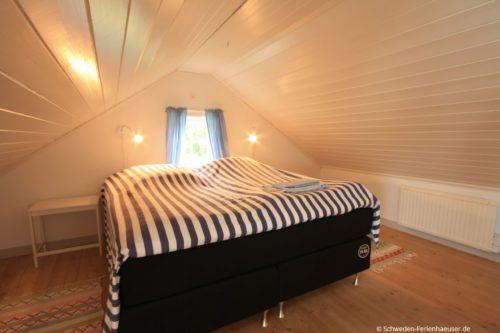 Bett oberen offenen Schlafbereich – Ferienhaus Seestuga