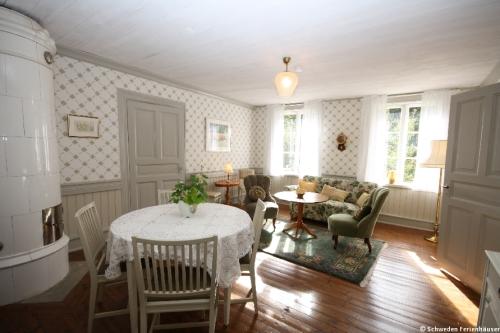Wohnzimmer 2 – Ferienhaus Viken