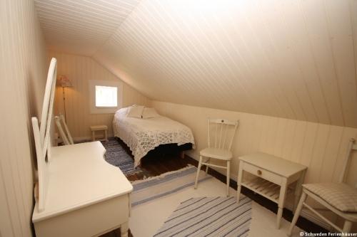 Schlafzimmer 6 – Ferienhaus Viken