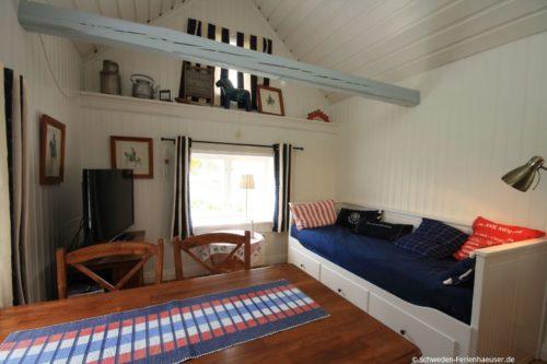Wohn- /Essbereich mit offener Küche - Ferienhaus Vikenstuga