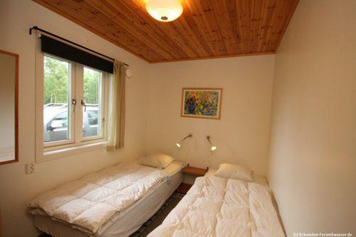 Schlafzimmer 2 – Ferienhaus John 74
