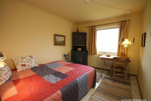 Schlafzimmer 1 – Ferienhaus Björka