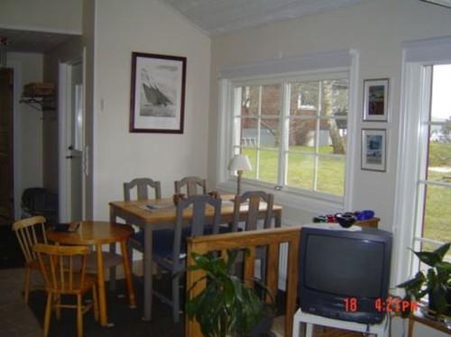 Wohn- /Essbereich mit offener Küche - Ferienhaus Bo