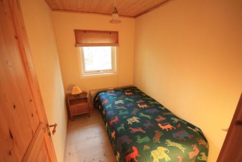 Schlafzimmer 2 – Ferienhaus Dennbo