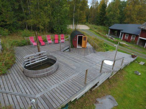 Sauna- und Badefass – Ferienhaus Dyp