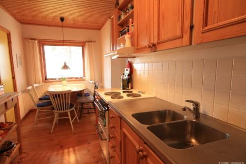 Küche mit Essplatz - Ferienhaus Felixbo