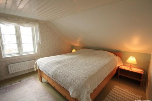 Schlafzimmer 2 – Ferienhaus Lugnabo