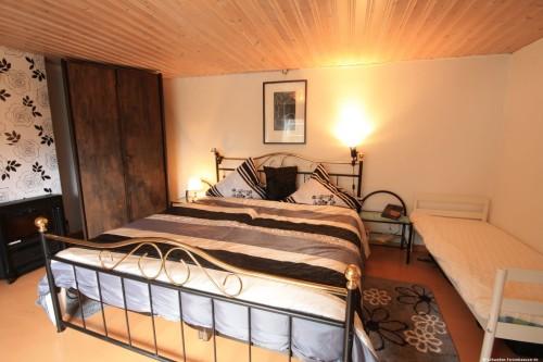 Schlafzimmer 1 – Ferienhaus Tostaboda