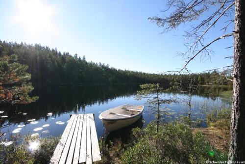eigener See mit Steg und Boot – Ferienhaus Nab