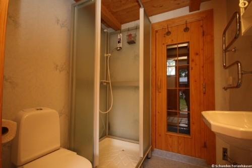 Badezimmer mit Sauna – Ferienhaus Rockneby