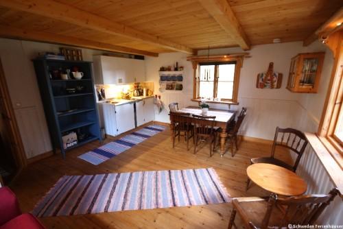 Wohn- /Essbereich mit Küche – Ferienhaus Rockneby