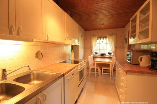 Küche mit Essplatz – Ferienhaus Björk