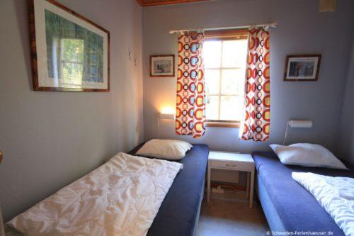 Schlafzimmer 2 – Ferienhaus Björk