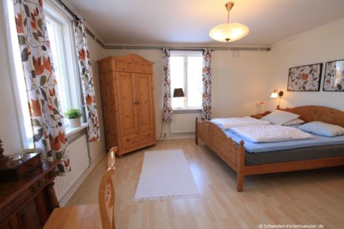 Schlafzimmer 1 (Erdgeschoss) – Ferienhaus Haga