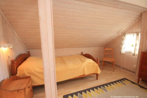 Schlafzimmer 3 (Obergeschoss) – Ferienhaus Haga