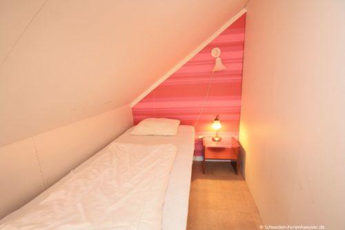 Schlafzimmer 4 (Obergeschoss) – Ferienhaus Haga