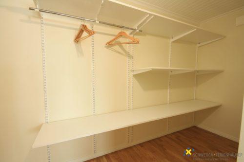 Ankleideraum zu Schlafzimmer 4 – Ferienhaus Hurven 2