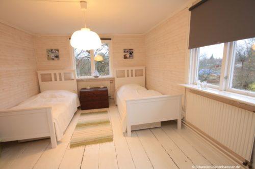 Schlafzimmer 3 (Obergeschoss) – Ferienhaus Ask
