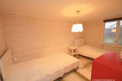 Schlafzimmer 4 (Obergeschoss) – Ferienhaus Ask
