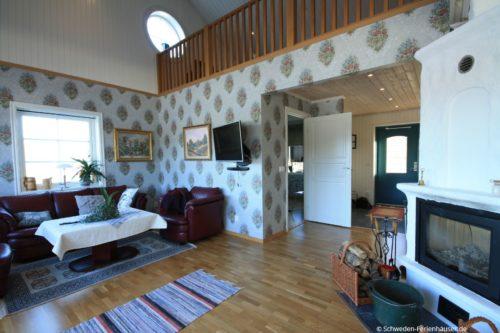 Wohn- /Essbereich mit offener Küche – Ferienhaus Sjötorpet