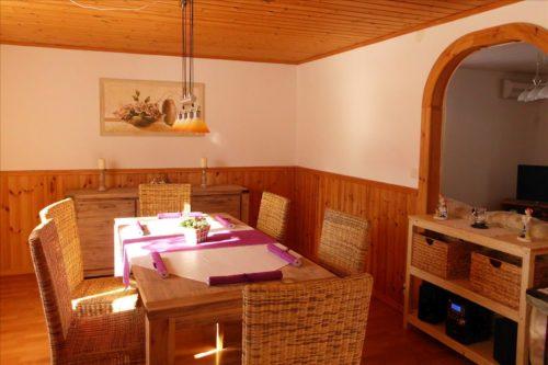 Essplatz - Ferienhaus Tuna