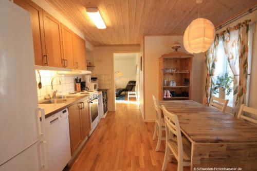 Küche mit Essplatz - Ferienhaus Backö