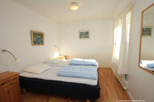 Schlafzimmer 1 - Ferienhaus Backö